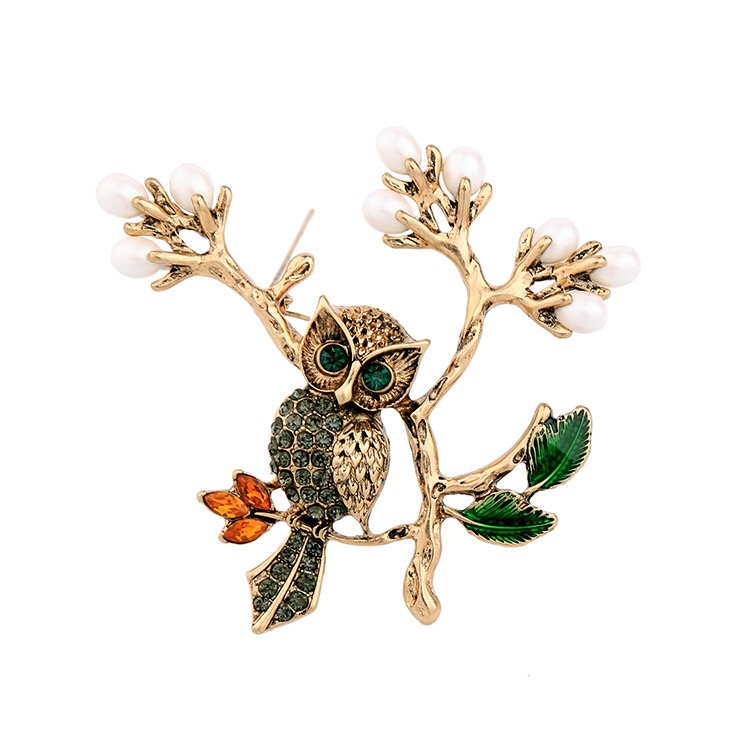 Popular owl design Brooch