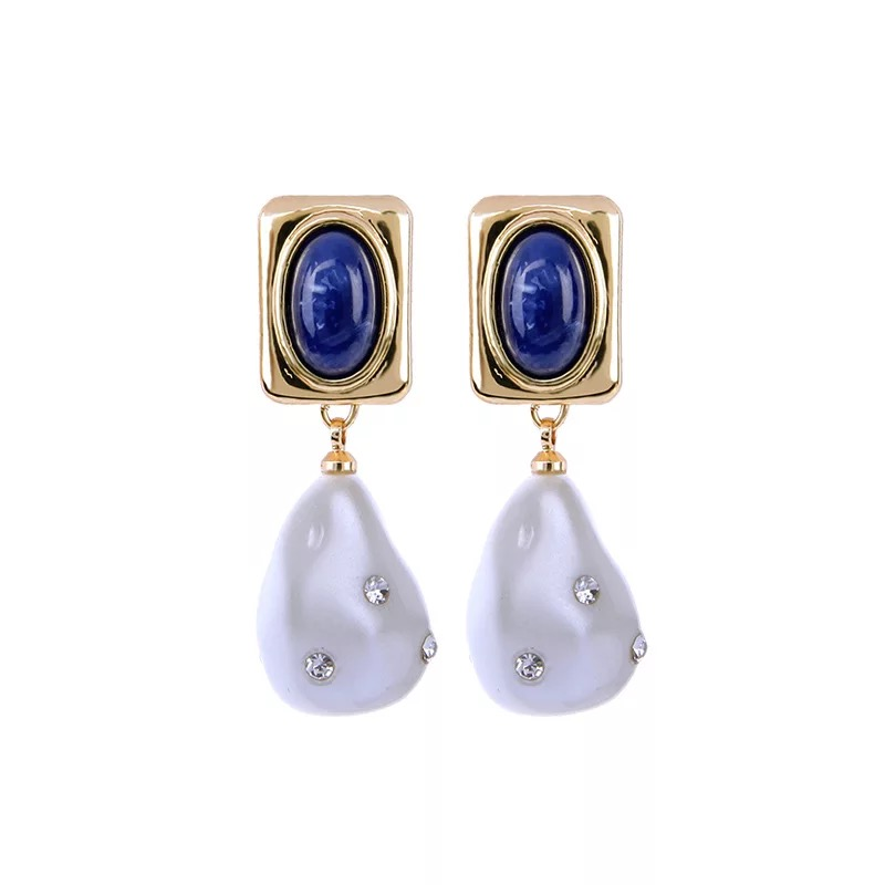 Quality pearl earring