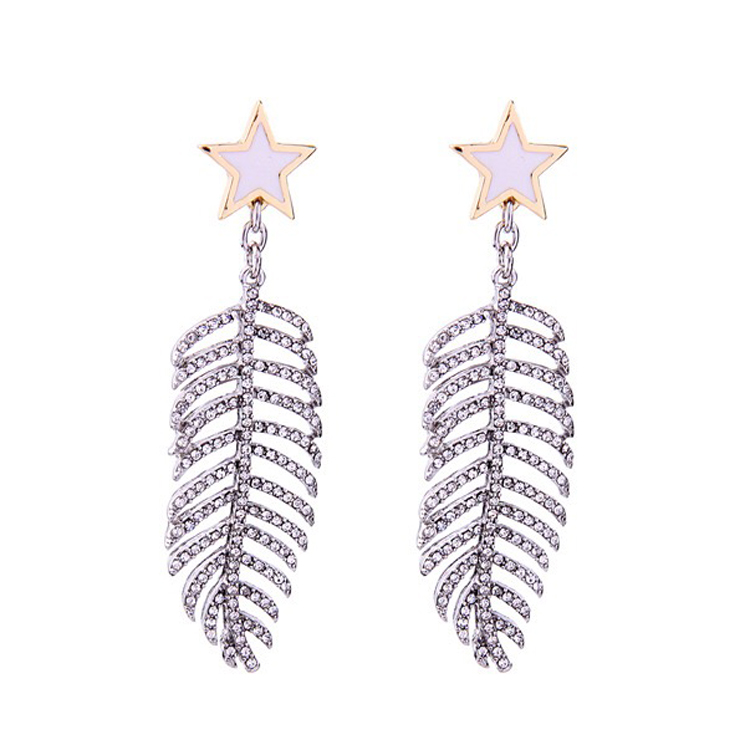 Feather design fashion earring