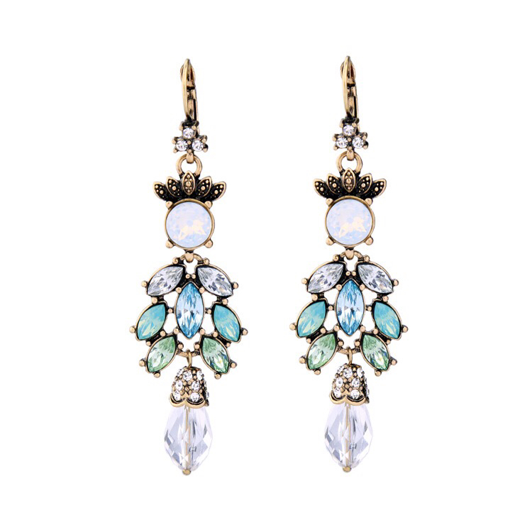 Antique stone fashion earring