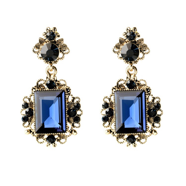 Antique shining stone earring
