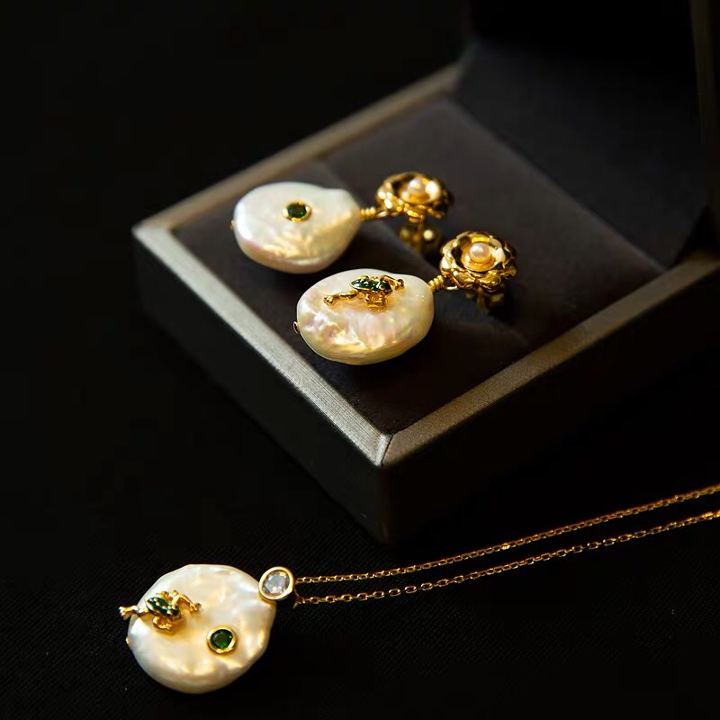 Nature pearl earring set