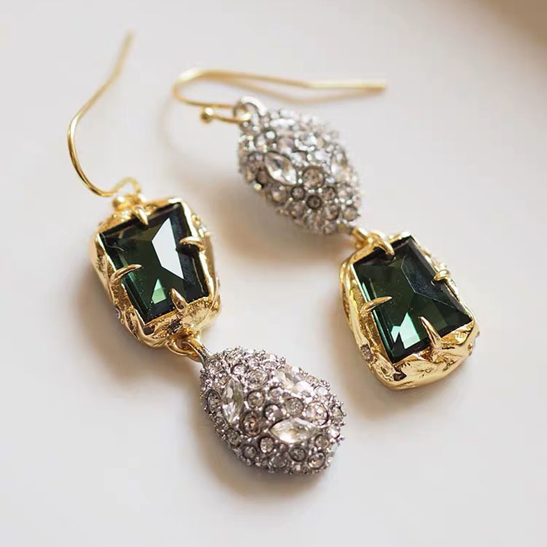 Quality stone earring