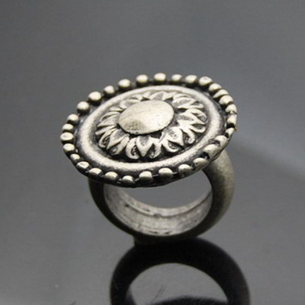 Antique metal Ring